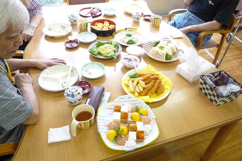 イベント食の食事風景